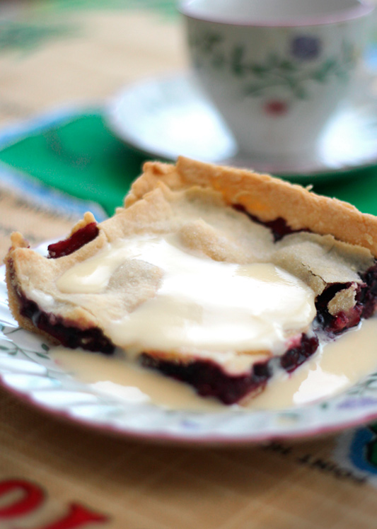 Grandma's Mulberry Pie
