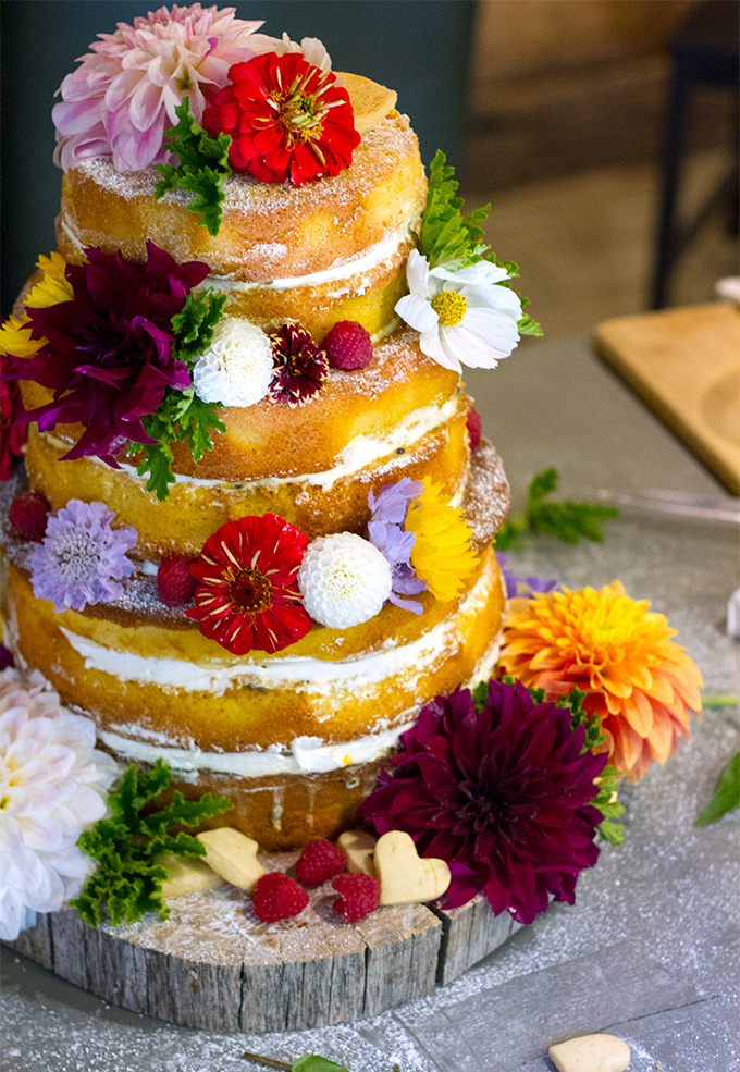 wedding cake recipes sponge wedding sponge cake with passionfruit curd and fresh 23636
